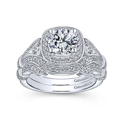 Absolutely Stunning 14K White Gold Cushion Halo Round Diamond Engagement Ring