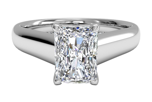 Radiant 18K White Gold Solitaire Diamond Engagement Ring with Pavé Tulip